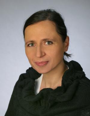 Lucyna Klimas-certyfikowana psychoterapeutka i nauczycielka Gestalt. Psychoterapia indywidualna, terapia par i rodzin. Gabinet Psychoterapii Kraków